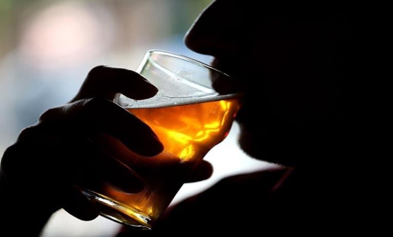 هل يسجن شارب الخمر في السعودية